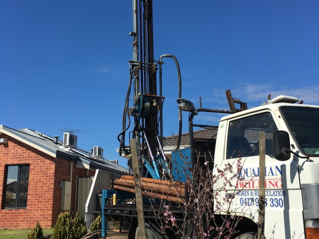 Drilling new submersible water bore in High Wycombe
